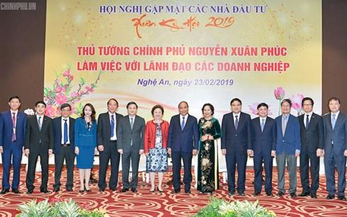 Thủ tướng Nguyễn Xuân Phúc gặp gỡ các nhà đầu tư lớn đầu tư vào Nghệ An (Thời sự trưa 23/2/2019)