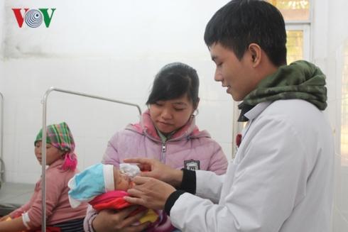 Cái Tết đầu tiên của bác sĩ trẻ Dương Mạnh Huy cắm bản ở Cao Bằng (9/2/2019)
