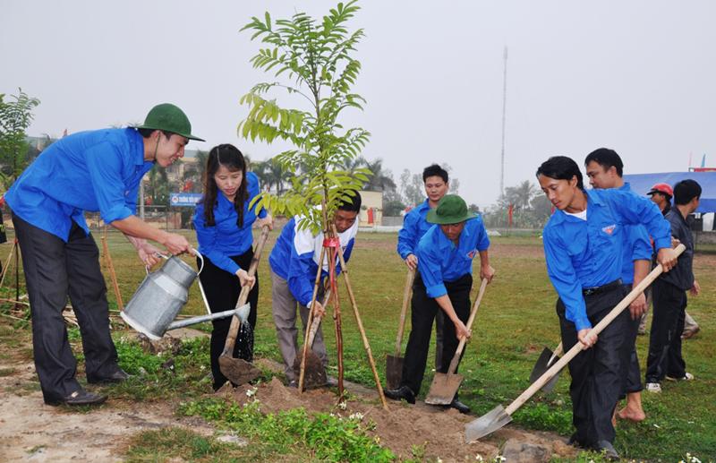 Trồng cây  để đất nước mãi Xuân (10/2/2019)