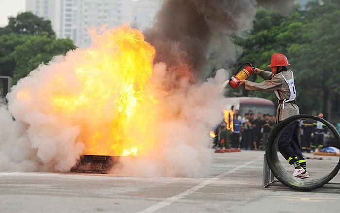 Nâng cao ý thức để hạn chế cháy, nổ xảy ra trong các lễ hội đầu Xuân (18/2/2019)