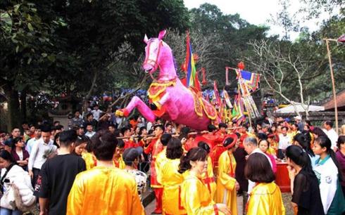 Nhiều lễ hội và sự kiện văn hóa đồng loạt diễn ra hôm nay, đáp ứng nhu cầu du xuân, vui chơi của người dân cả nước (Thời sự đêm 10/2/2019)