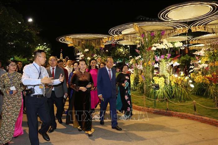 Chủ tịch Quốc hội Nguyễn Thị Kim Ngân dự lễ khai mạc Đường hoa Nguyễn Huệ Tết Kỷ Hợi 2019 tại thành phố Hồ Chí Minh (Thời sự sáng 3/2/2019)