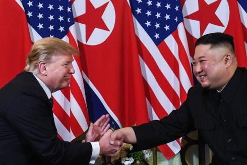 Cái bắt tay lịch sử giữa hai nhà lãnh đạo Donald Trump và Kim Jong-un tại Việt Nam (Thời sự đêm 27/2/2019)