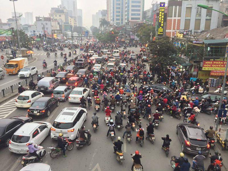 Ý thức đảm bảo an toàn giao thông của người dân trong dịp Tết Nguyên đán 2019 và dự báo tình hình giao thông khi công nhân quay trở lại làm việc (12/2/2019)
