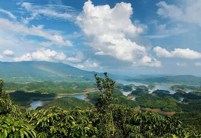 Thư giãn giữa thiên nhiên trên hồ Tà Đùng, Đăk Nông (15/2/2019)
