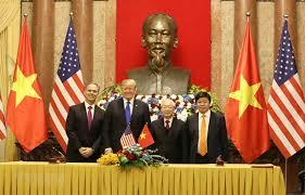 Chủ tịch nước Nguyễn Phú Trọng và Tổng thống Mỹ Donald Trump đã chứng kiến Lễ ký kết 4 văn kiện hợp tác giữa hai nước, với tổng trị giá khoảng 21 tỷ USD (Thời sự chiều 27/2/2019)