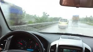 Chăm sóc ô tô thời tiết nồm ẩm (6/3/2019)