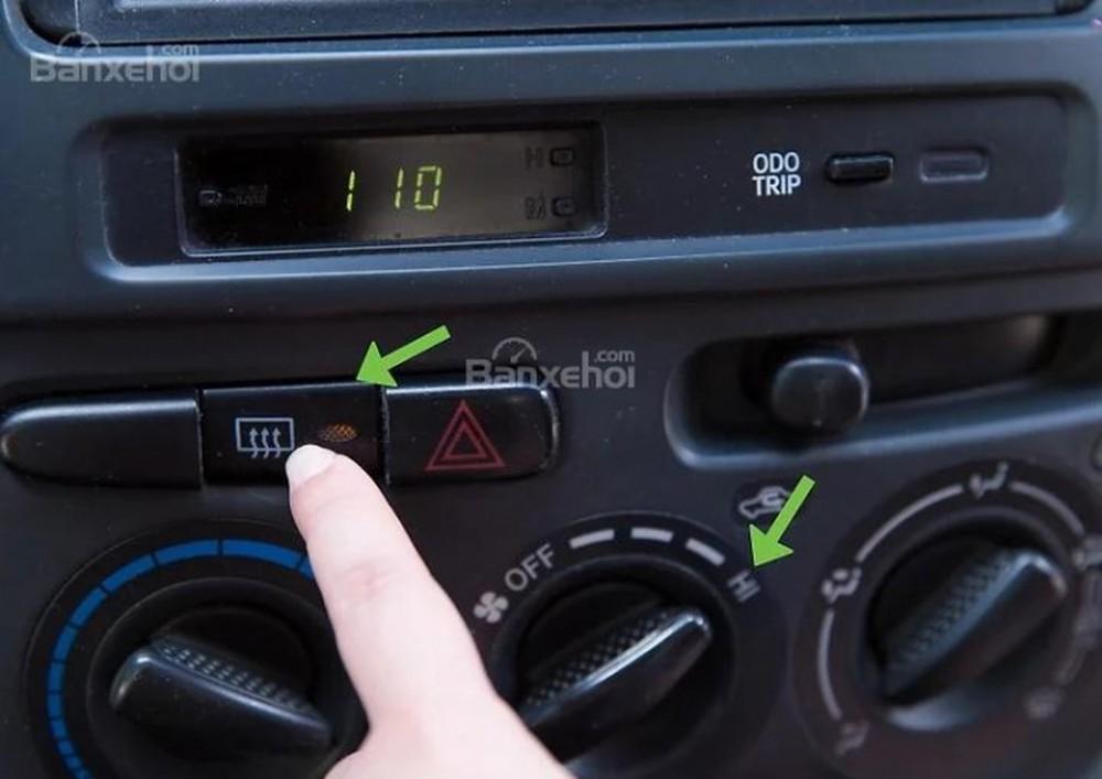 Bàn luận về hệ thống điều hòa tự động thổi khí ẩm, không làm mát, gây mùi trên xe ô tô (13/3/2019)
