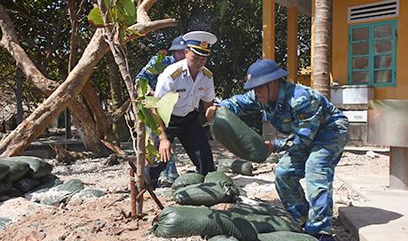 Cán bộ chiến sĩ đảo Phan Vinh phát huy truyền thống bảo vệ biển đảo (7/3/2019)