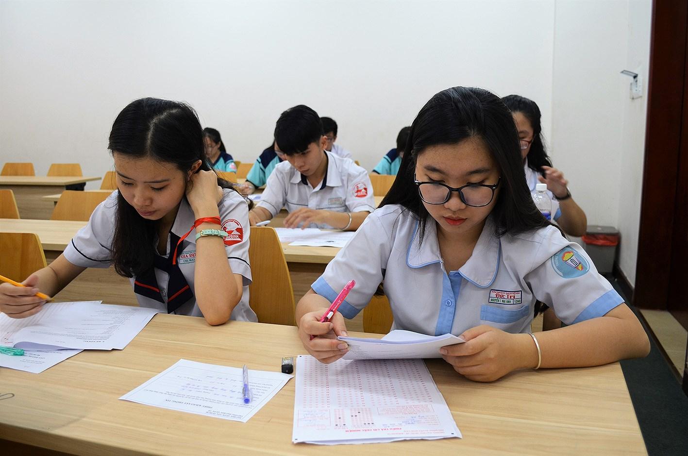 Xác định chỉ tiêu tuyển sinh theo tỉ lệ sinh viên ra trường có việc làm: Băn khoăn tính thực chất (19/3/2019)