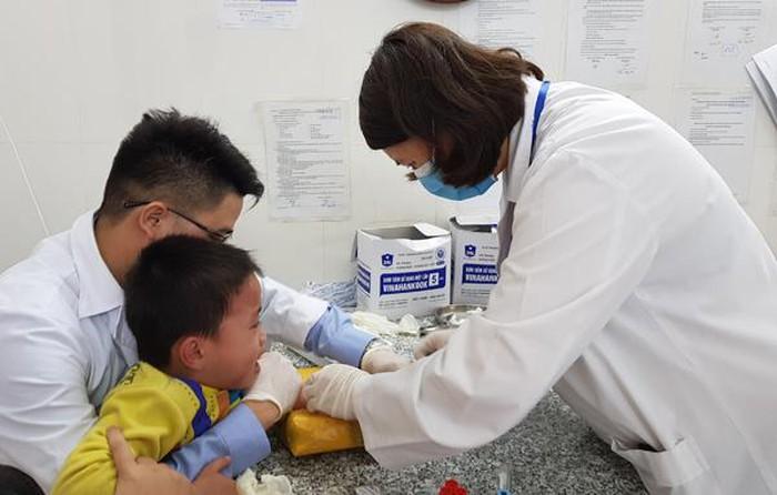Bộ Y tế đề nghị Bắc Ninh dừng lấy mẫu máu xét nghiệm Elisa để chẩn đoán sán dây lợn. (Thời sự đêm 21/3/2019)