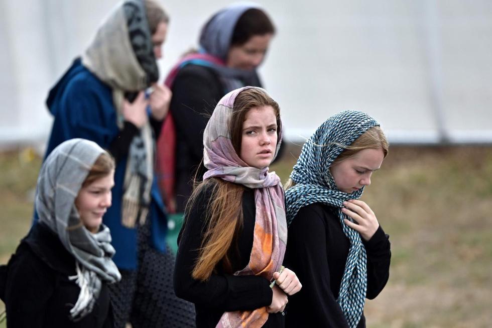 Thông điệp sau những tấm khăn choàng đầu của phụ nữ New Zealand (28/3/2019)
