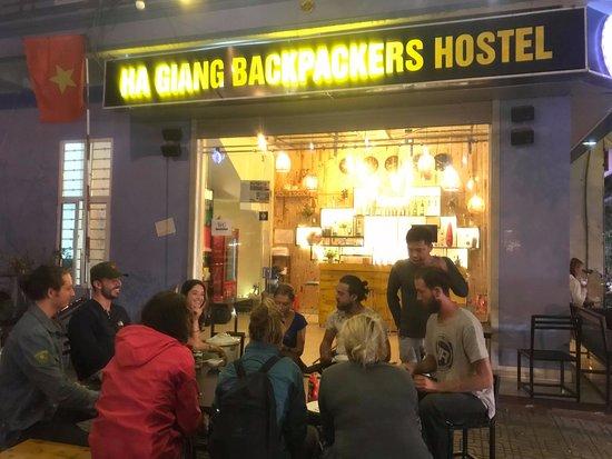 Gặp gỡ những người phụ nữ làm giàu cho gia đình và địa phương từ mô hình du lịch Hostel đầu tiên tại Hà Giang (8/3/2019)
