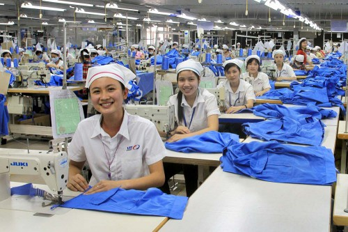 Bất bình đẳng trong cơ hội việc làm và mức trả công với lao động nữ (5/3/2019)