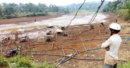 Đâu là nguyên nhân dẫn đến tình trạng khô hạn ở Tây Nguyên? (6/3/2019)