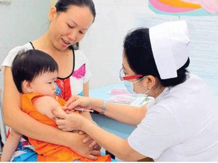 Tiêm phòng vắc-xin cho trẻ (24/3/2019)