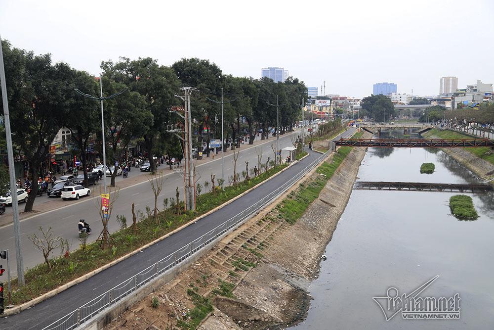 Trải nghiệm tuyến đường đi bộ đầu tiên ven sông Tô Lịch tại thủ đô Hà Nội (28/3/2019)
