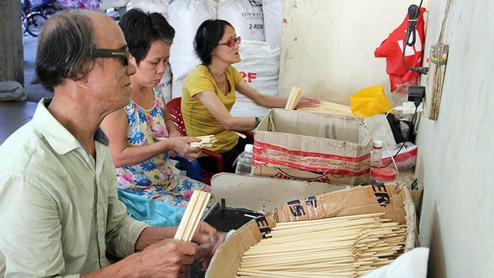 Kỷ niệm 50 năm Ngày thành lập Hội người mù Việt Nam: Giúp người mù vươn lên ổn định cuộc sống (17/4/2019)