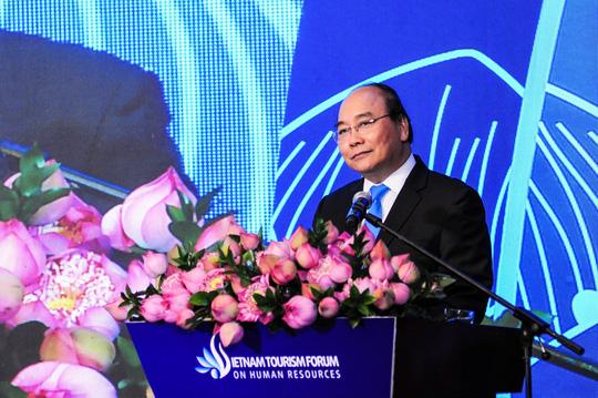 Thủ tướng Nguyễn Xuân Phúc dự và phát biểu tại Diễn đàn Nguồn nhân lực Du lịch Việt Nam (Thời sự trưa 12/4/2019)