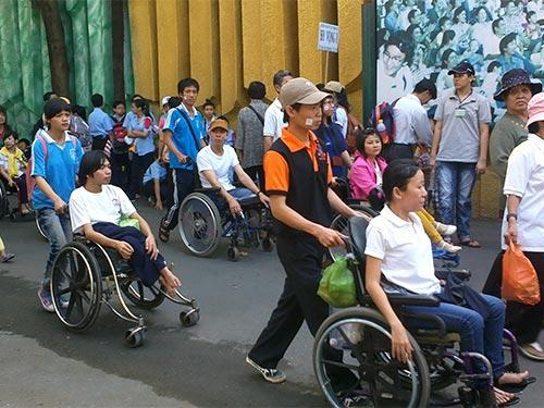 Hỗ trợ người khuyết tật thế nào cho hợp lý? (18/4/2019)