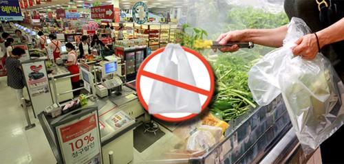 Hàn Quốc: Cấm sử dụng túi nilon dùng một lần tại các cửa hàng bán lẻ lớn (1/4/2019)