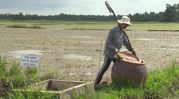 Đừng để thuốc bảo vệ thực vật bức tử ruộng đồng (16/4/2019)