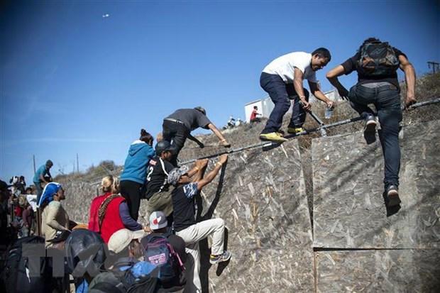 Mỹ cắt viện trợ và đóng cửa biên giới vì dòng người di cư Trung Mỹ (2/4/2019)