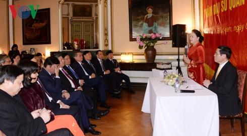 Chủ tịch Quốc hội Nguyễn Thị Kim Ngân thăm Đại sứ quán, gặp mặt cộng đồng người Việt Nam tại Bỉ (Thời sự sáng 5/4/2019)