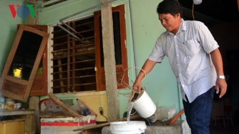Người dân Lý Sơn mua nước ngọt giá cao (18/4/2019)