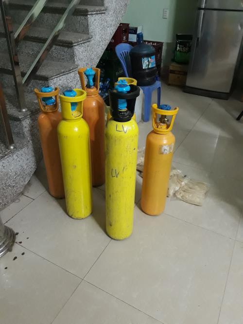 Cục Quản lý thị trường Lạng Sơn thu giữ 110 kg khí cười (17/5/2019)