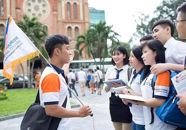 Nguyên nhân khan hiếm nhân lực ngành du lịch hiện nay (26/5/2019)