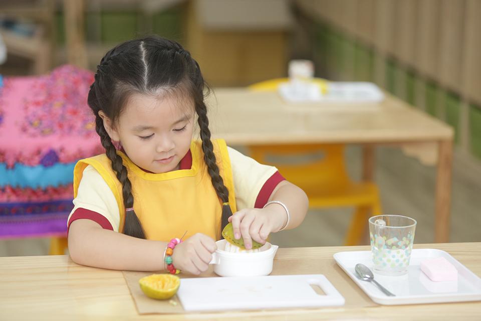 Làm thế nào để rèn cho trẻ cuộc sống tự lập? (16/5/2019)