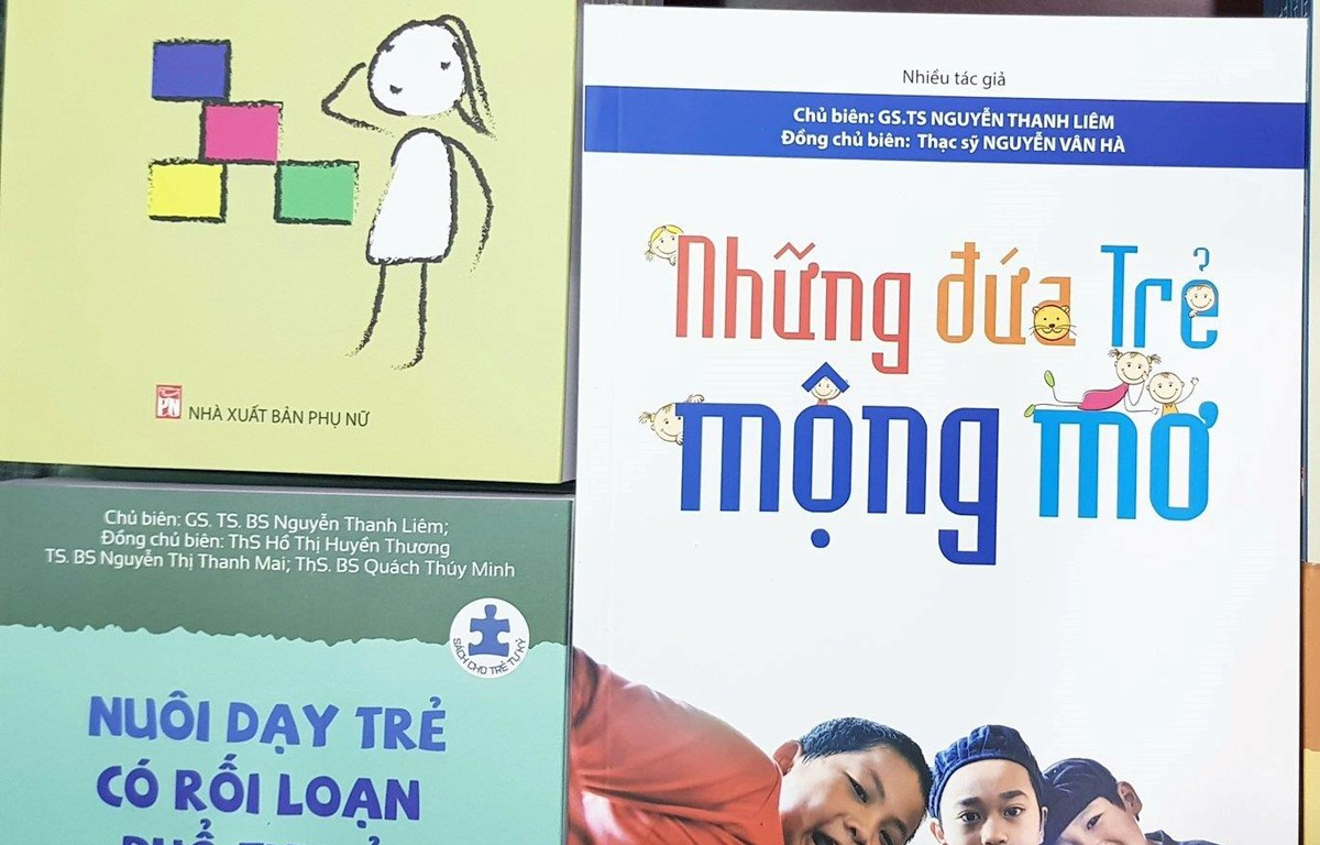 Ra mắt bộ sách dành cho trẻ tự kỷ, nhằm giúp phụ huynh có những kỹ năng cơ bản nhất để hướng dẫn, giáo dục trẻ tại nhà (22/5/2019)