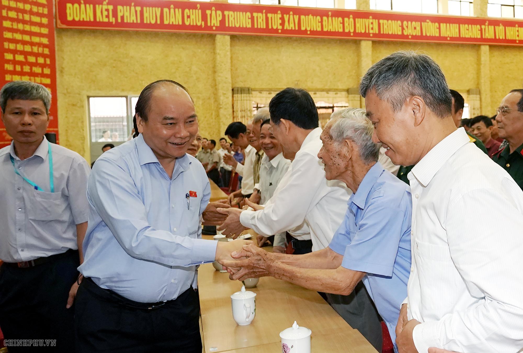 THỜI SỰ 18H CHIỀU NGÀY 10/5/2019: Thủ tướng Nguyễn Xuân Phúc tiếp xúc cử tri huyện Kiến Thụy, làm việc với Ban Thường vụ Thành ủy Hải phòng.