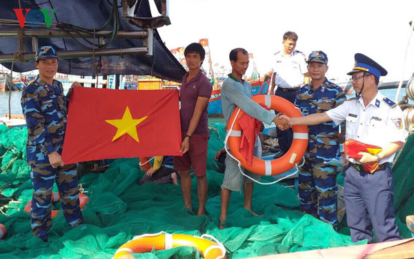 Cảnh sát biển Việt Nam sát cánh cùng ngư dân trên mọi hải trình (23/5/2019)
