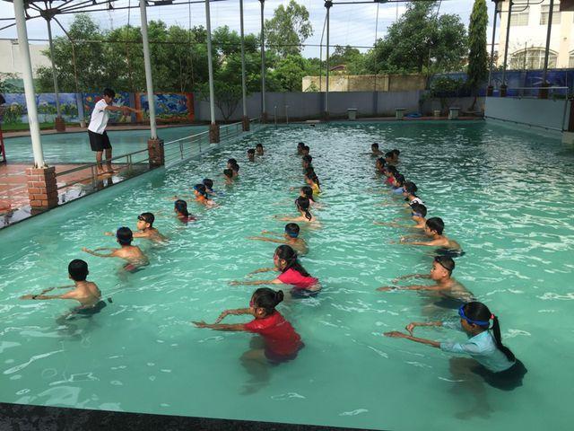 Phòng chống đuối nước: Tăng cường dạy bơi và kỹ năng tự bảo vệ dưới nước cho học sinh (21/5/2019)