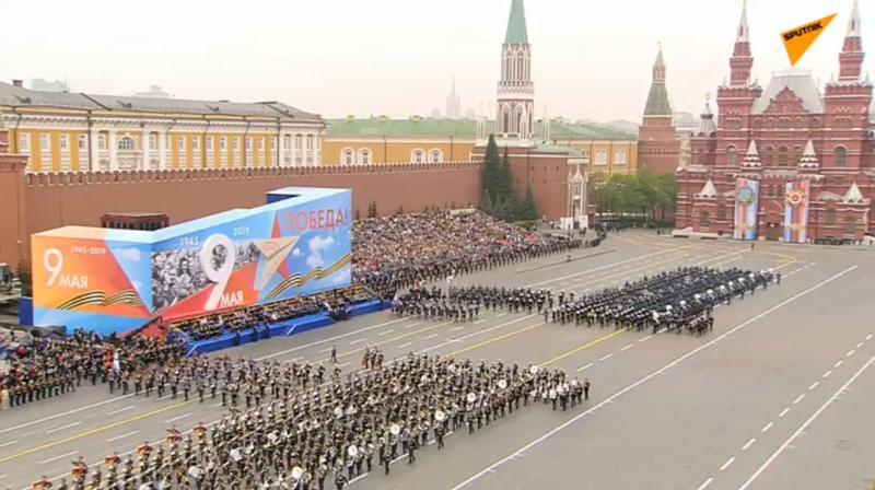 """Nước Nga Kỷ niệm Chiến thắng chủ nghĩa phát xít bằng lễ diễu binh trên Quảng trường Đỏ để """"vinh danh chiến thắng của nhân dân Xô Viết trong Chiến tranh Vệ quốc vĩ đại 1941-1945"""" (9/5/2019)"""