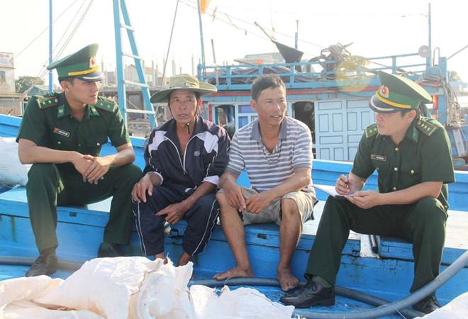 Bộ đội biên phòng Trường Sa điểm tựa cho ngư dân (20/5/2019)