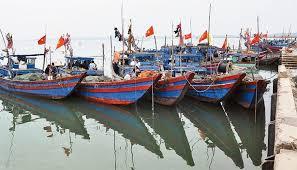 Hà Tĩnh: Đảm bảo an toàn tàu cá cho ngư dân trước mùa mưa bão (16/5/2019)