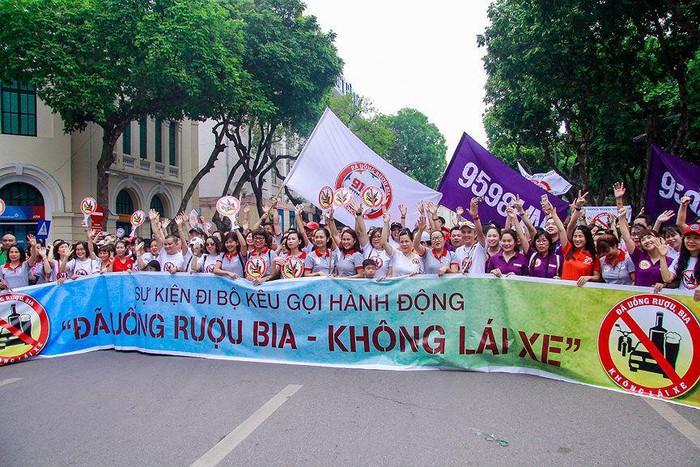 THỜI SỰ 18H CHIỀU 12/5/2019: Hàng ngàn người dân Thủ đô tham gia đi bộ kêu gọi hành động