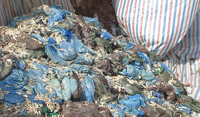 58 tấn chân gà đông lạnh phân hủy