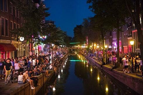Amsterdam hạn chế du khách để tự… cứu mình (1/6/2019)