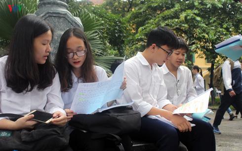 THỜI SỰ 21H30 ĐÊM 14/6/2019: Hà Nội công bố kết quả kỳ thi vào lớp 10, trong đó có gần một nửa thí sinh có điểm ngoại ngữ dưới trung bình.