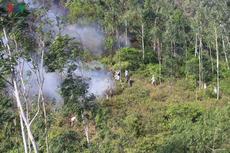 THỜI SỰ 12H00 TRƯA 30/6/2019: Cháy rừng vẫn diễn biến phức tạp một số tỉnh miền Trung trong điều kiện khô hạn, nắng gắt những ngày qua