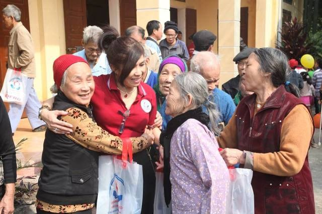 Nữ nhạc sĩ Việt kiều với nhiều dự án từ thiện tại quê hương (11/6/2019)