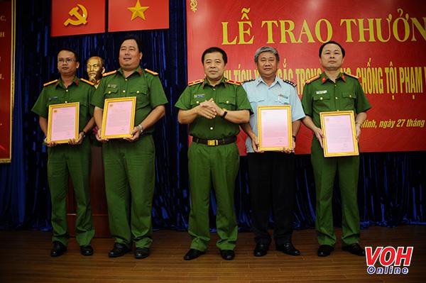 Thành phố Hồ Chí Minh: Hai sắc áo phối hợp phá án ma túy lớn hiệu quả (24/6/2019)
