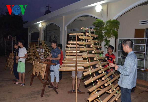 Nỗ lực lưu giữ văn hóa truyền thống ở nhà lưu trú Têrêsa (1/6/2019)