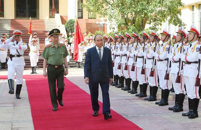 THỜI SỰ 12H TRƯA 26/6/2019: Thủ tướng Nguyễn Xuân Phúc dự sơ kết công tác 6 tháng đầu năm của Bộ Công an.