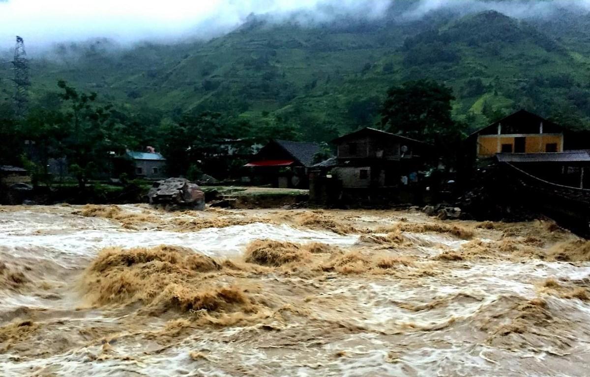 THỜI SỰ 18H00 CHIỀU 24/6/2019: Các tỉnh miền núi phía Bắc chủ động ứng phó với diễn biến mưa lũ bất thường. Tại Lai Châu, đã có 4 người mất tích do mưa lũ, giao thông một số nơi bị ách tắc cục bộ