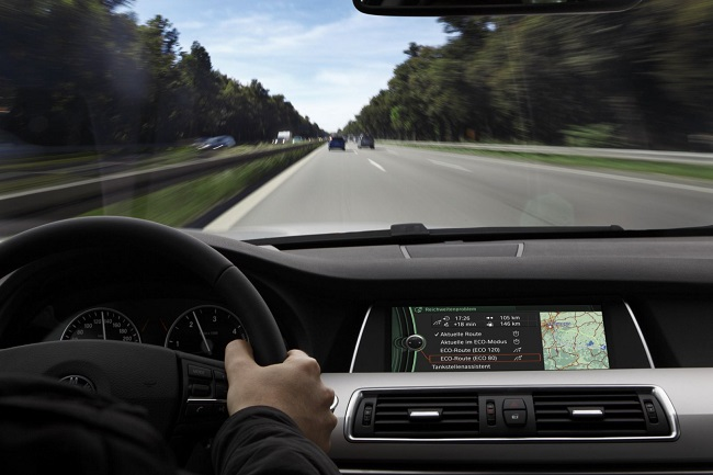 Vững tay lái, trọn niềm vui: Những nguy hại của xăng giả đối với động cơ xe (19/6/2019)